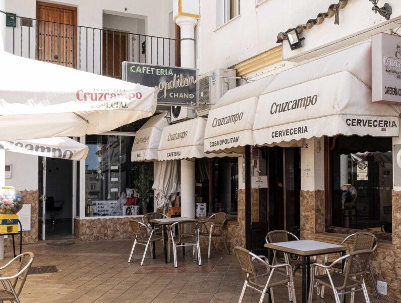 Cafetería – Cervecería Cosmopólitan